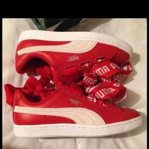 New Puma basket heart bow red 7.5